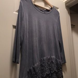 Grey 3/4 sleeve shirt with asymmetrical lace